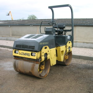 Compacteur BOMAG BW 100 AD